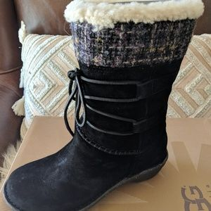 New Ugg Tanasa Black Suede Boots Sz 7